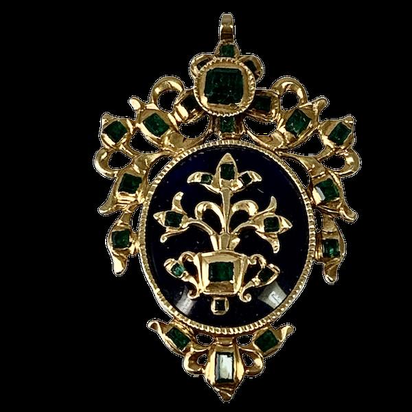 Seventeenth century enamelled gold pendant with emeralds - image 1