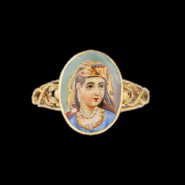 Oriental lady enamel portrait gold ring - image 1