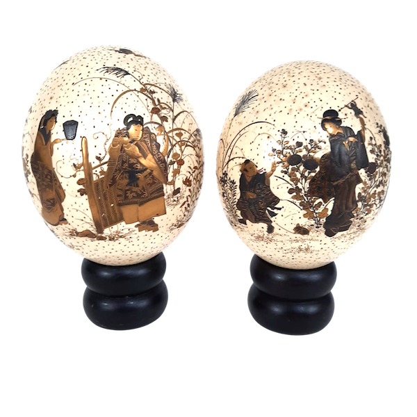 Pair Japanese ostrich eggs with lacquer decoration of Bijin - image 1