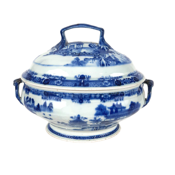 Chinese blue and white tureen - image 1