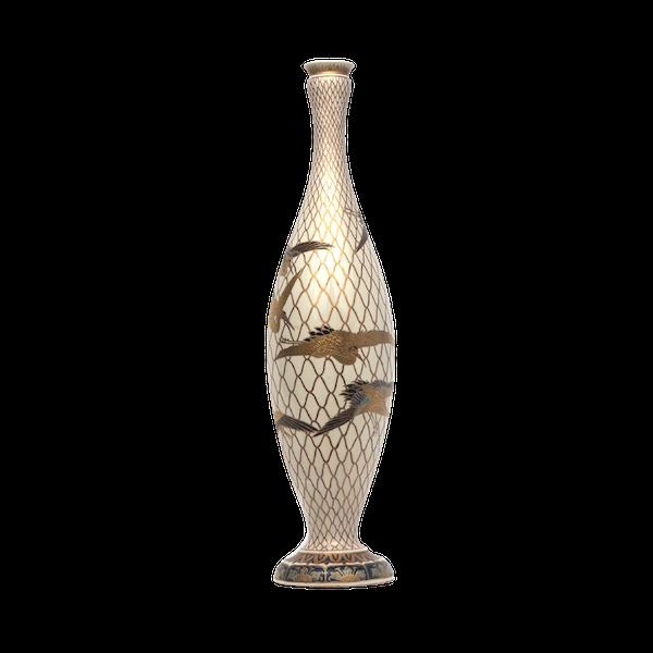 Japanese Satsuma Vase with decoration of cranes - image 1