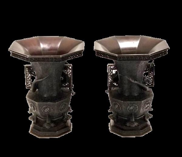 Pair Japanese Bronze Vases. Meiji Period ( 1868-1912 ) - image 1