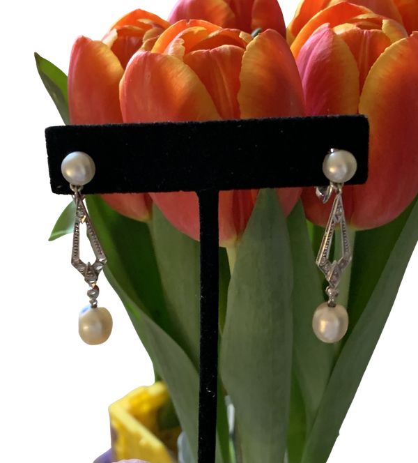 Natural Pearl earrings All pearls carry a certificate and are mounted in platinum - image 1
