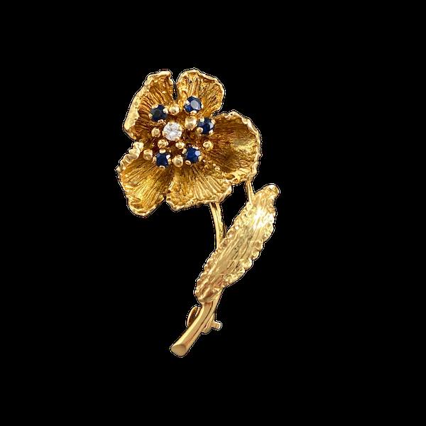 Date: London 1970, 18ct Yellow Gold, Sapphire & Diamond stone set Brooch, SHAPIRO & Co since1979 - image 1