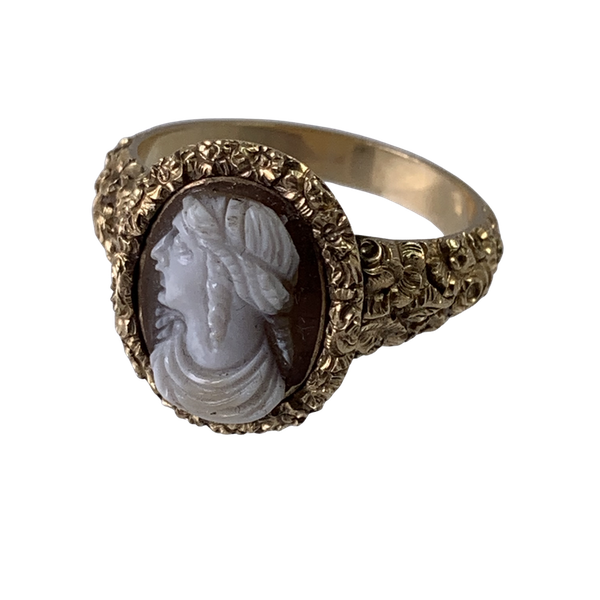 1820 ring with cameo of Cleopatra - image 1