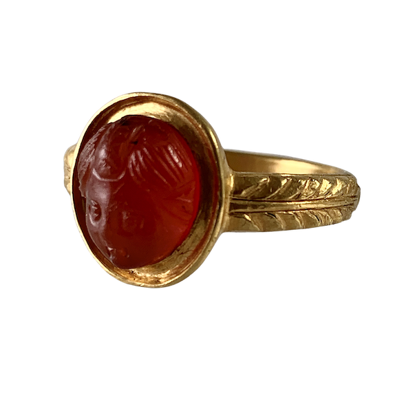 Ancient Roman cameo of Eros in later ring - image 1