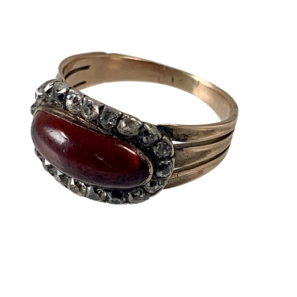 Antique ring with garnet and diamonds - image 1