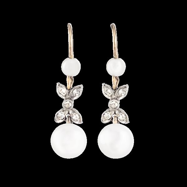 A pair of Pearl Diamond earrings - image 1