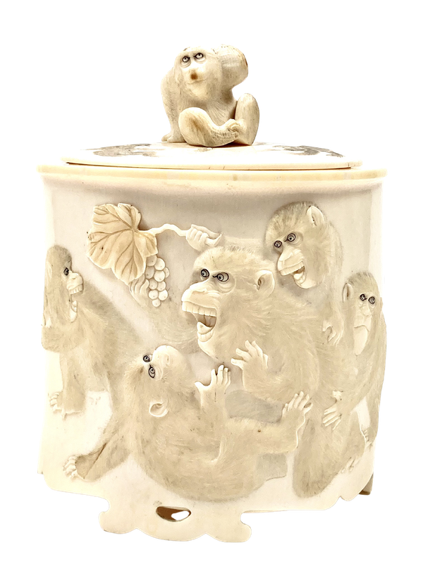 Japanese Ivory box and cover - image 1