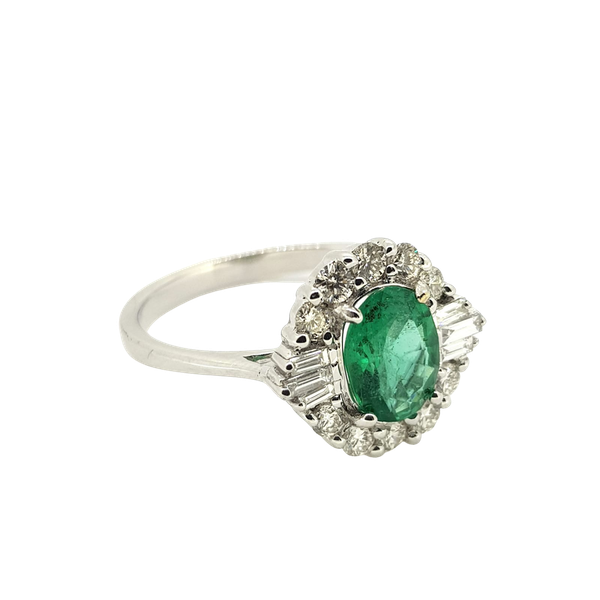 Emerald and Diamond ring in 18ct white gold - image 1