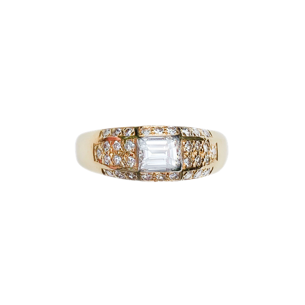 A Modern 18ct Gold Diamond Ring - image 2