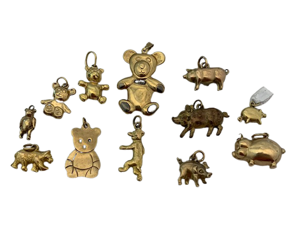Charms 9ct. Wear as a pendant or add to a charm bracelet. Spectrum - image 1