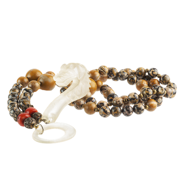 A Necklace of Agate Beads with Rock Crystal Snake Head Catch - image 1