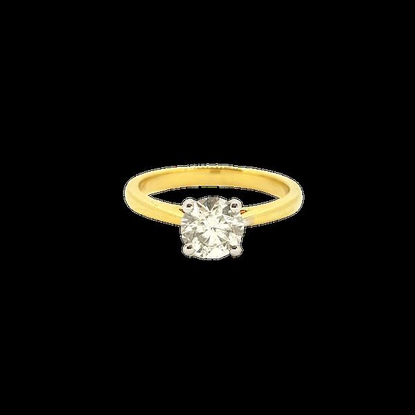 Diamond solitaire engagement ring in 18 carat gold, 1.01 carat, G colour, IGI certificate - image 1