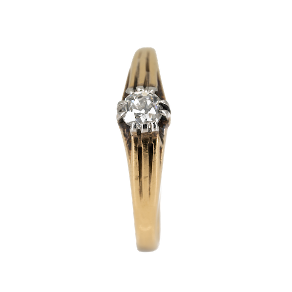 Old cut diamond solitaire ring of ribbed design - image 1