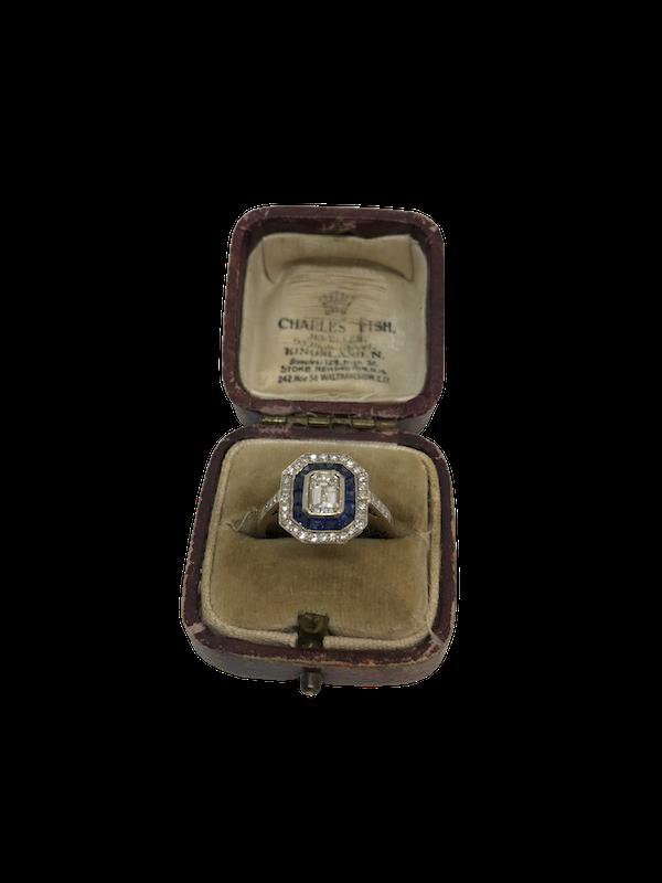 Emerald cut diamond sapphire target ring - image 1