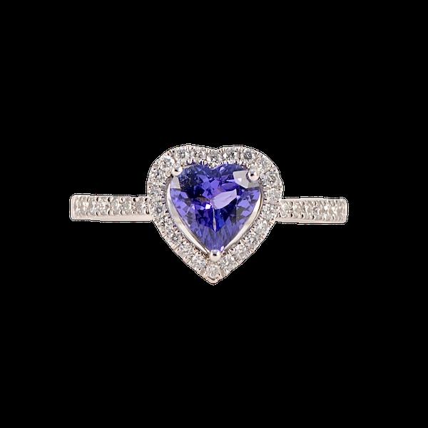 Tanzanite Diamond Ring in 18ct White Gold date circa 1970, SHAPIRO & Co since1979 - image 1
