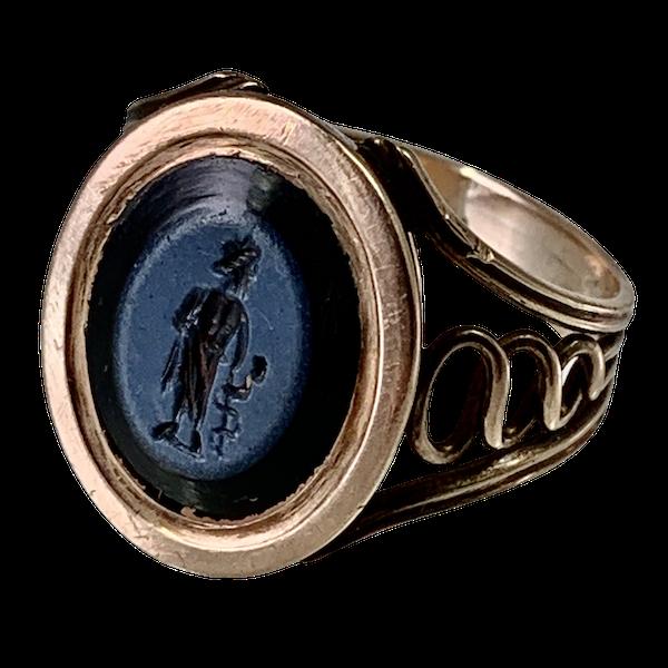 Ancient Roman intaglio ring - image 1